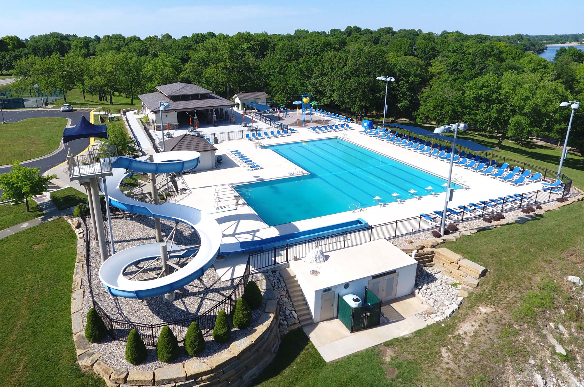 Lakewood Oaks Pools